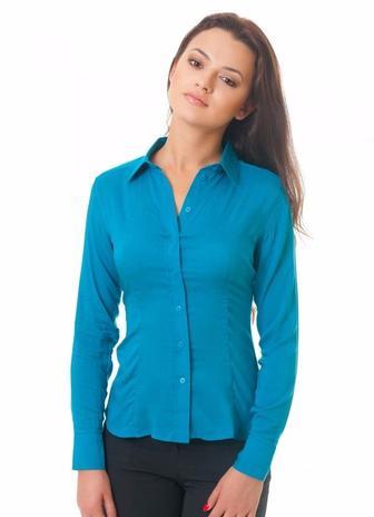 Блузка зеленая классическая с планочкой