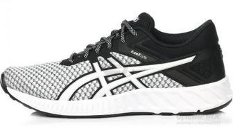 Кросівки Asics fuzeX Lyte 2 T769N-0190 р.7,5 білий