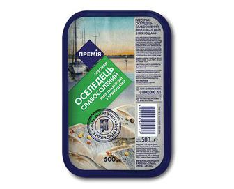 Оселедець слабосолоний філе-шматочки в олії з прянощами «Премія»® 500г